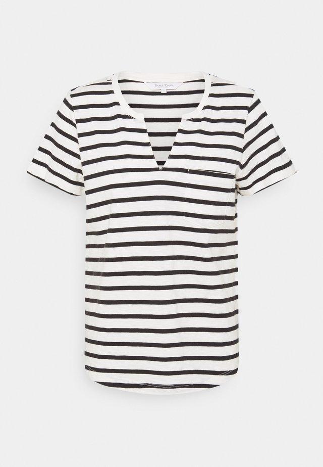 GESINA - Print T-shirt - black