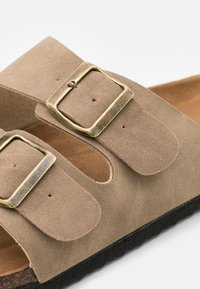 Cotton On - DOUBLE BUCKLE - Mules - tan - 5