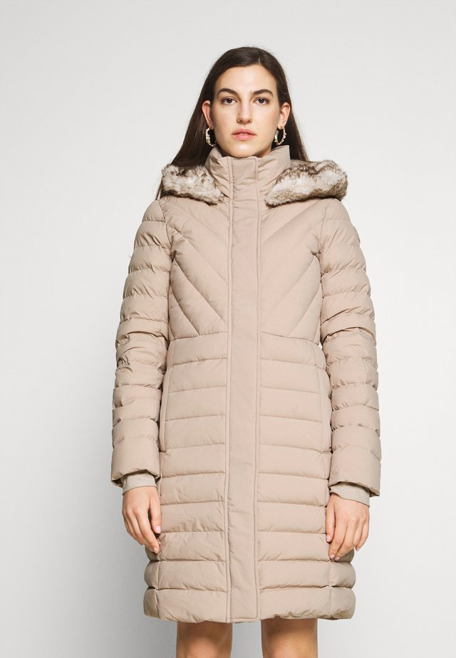 LONG PUFFER - Down coat - taupe