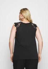 Zizzi - Print T-shirt - black - 2