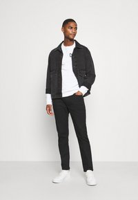 Marc O'Polo DENIM - Jeans Slim Fit - stay black - 1
