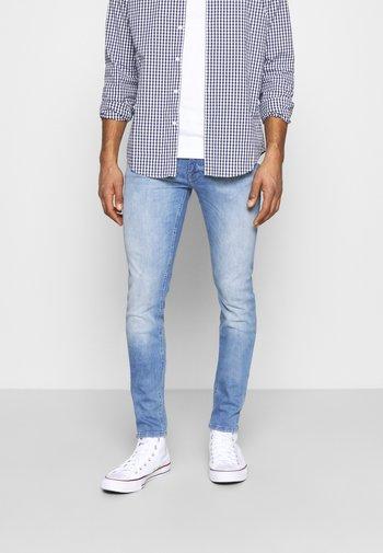 JJILIAM JJORIGINAL  - Jeans Tapered Fit - blue denim