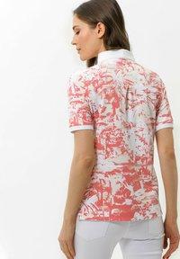 BRAX - Polo shirt - coral - 2