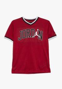Jordan - 23 SHOOTING - Print T-shirt - gym red - 0