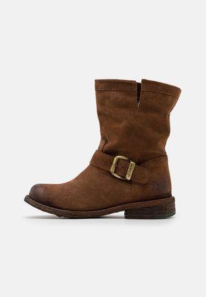 GREDO - Kovbojské/motorkářské boty - marvin brown