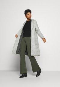 ONLY - ONLSTACY COAT - Klasický kabát - light grey melange - 1