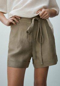 Massimo Dutti - Shorts - ochre - 0