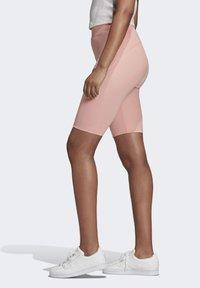 adidas Originals - R.Y.V. SHORT TIGHTS - Shorts - pink - 2