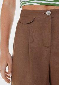 Bershka - WIDE LEG - Kangashousut - brown - 3