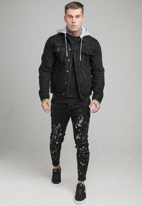 SIKSILK - JACKET WITH DETACHABLE HOOD - Džínová bunda - black - 1