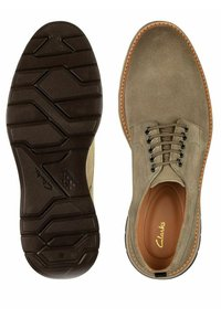 Clarks - Lace-ups - olive suede - 3
