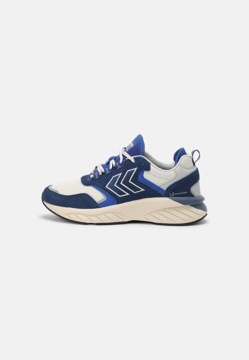 Hummel - MARATHONA REACH LX UNISEX - Sneakers - white/ensign blue