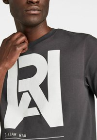 G-Star - GRAPHIC RAW - T-shirt con stampa - raven - 3