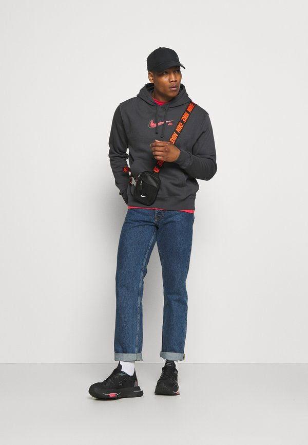 Nike Sportswear COURT HOODIE - Bluza - anthracite/antracytowy Odzież Męska SEOE