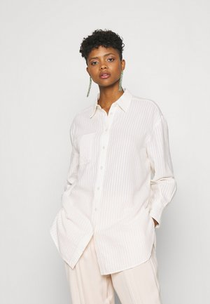 YASSWATI OVERSIZE - Button-down blouse - eggnog