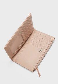Stradivarius - MIT PATCHWORK - Wallet - pink - 3