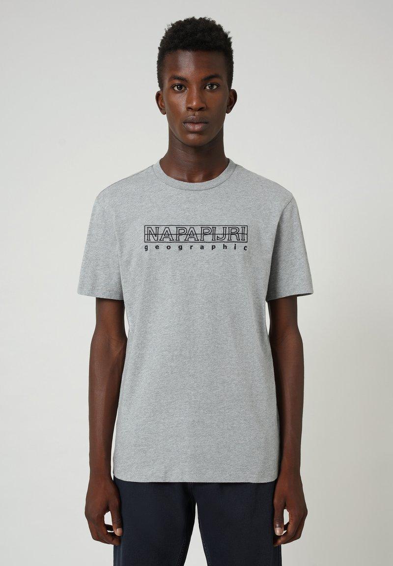 Napapijri - SEBEL  - Print T-shirt - medium grey melange