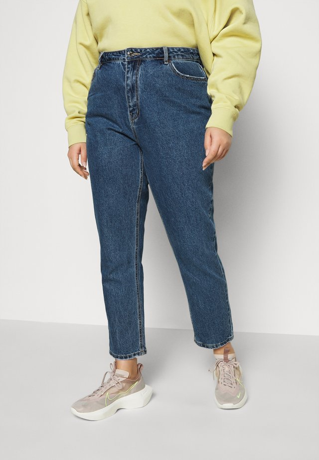 VMJOANA MOM ANKLE - Jeans baggy - medium blue denim