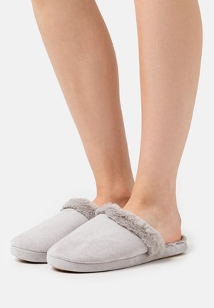 Slippers - pale grey