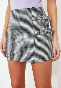 Trendyol - PARENT - Wrap skirt - black - 2