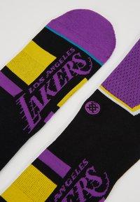 Stance - LAKERS SHORTCUT - Träningssockor - purple - 2