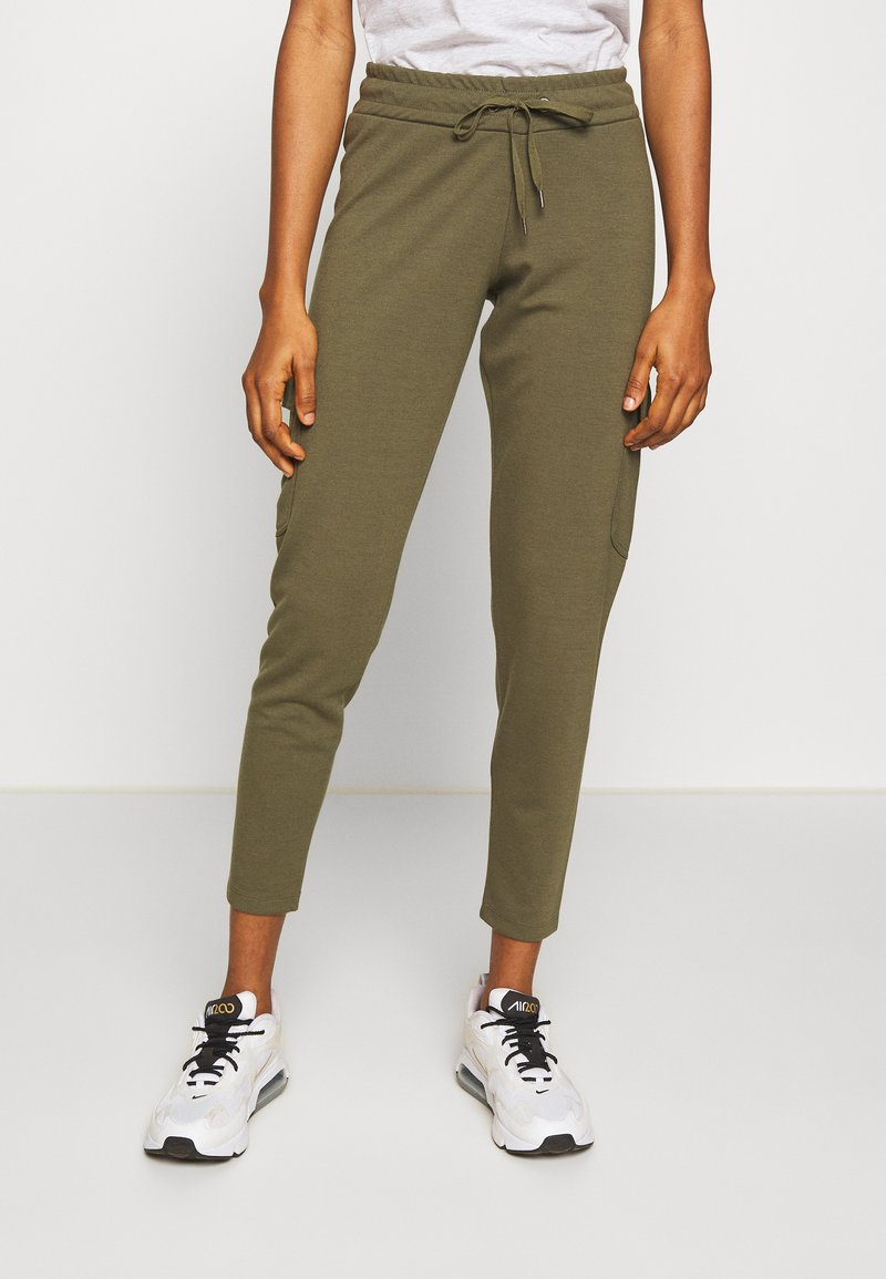 Noisy May - NMSEJLA CASUAL TROUSER - Trousers - ivy green