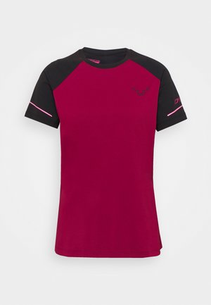ALPINE PRO TEE - Print T-shirt - black out/beet red