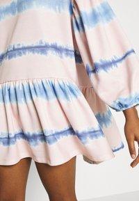 NEW girl ORDER - TIE DYE STRIPE DRESS - Sukienka letnia - pink - 5