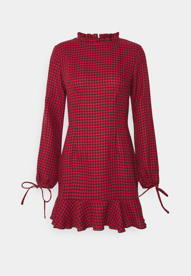 DOGTOOTH HIGH NECK FRILL HEM DRESS - Freizeitkleid - red