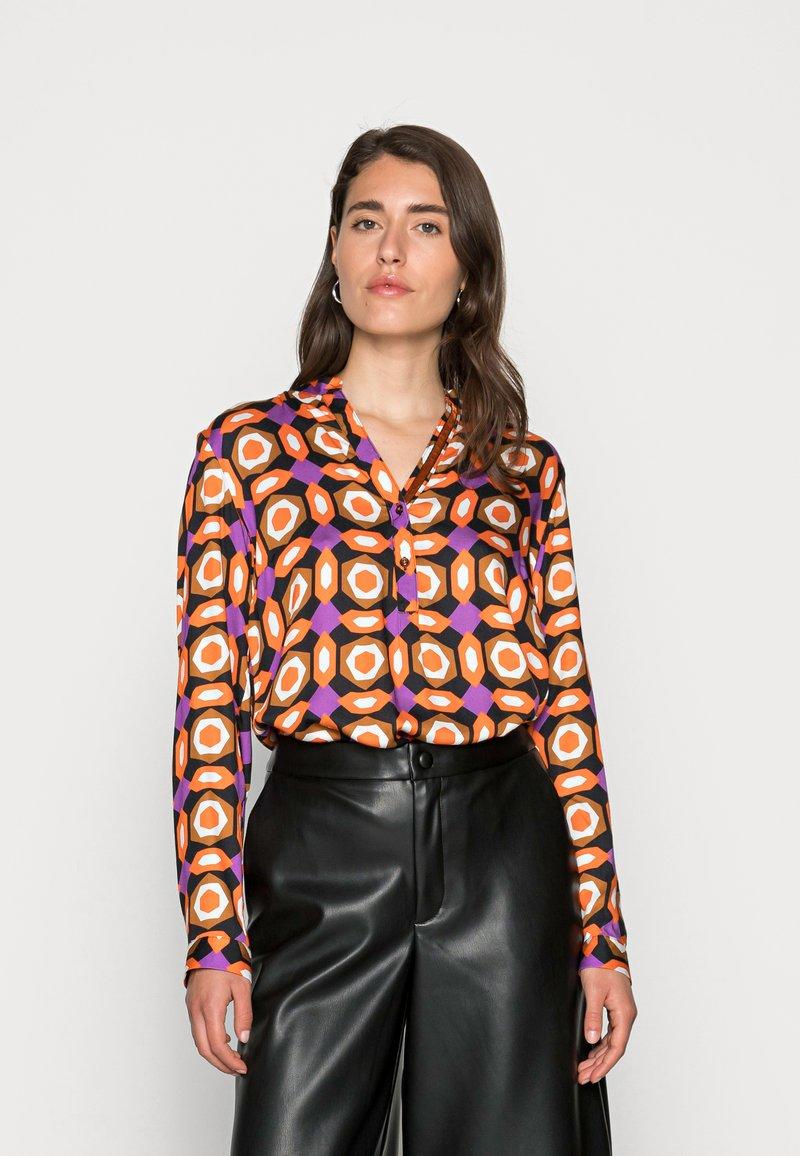 Emily van den Bergh - BLOUSE - Blouse - orange brown lilac geometric