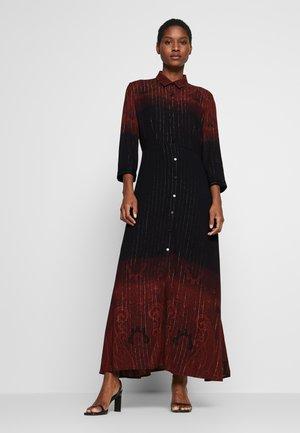 VEST LIONEL - Maxi šaty - marron tierra