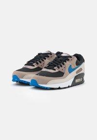 Nike Sportswear - AIR MAX 90 - Sneakers laag - black/blue slate/taupe haze/malt/desert sand/white - 1