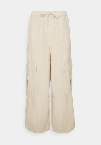 JESSYE LUCA PANT - Pantaloni cargo - stone
