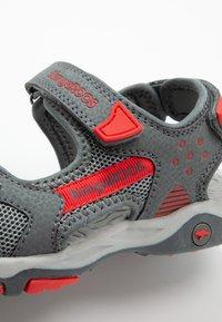 KangaROOS - CELTIC - Walking sandals - steel grey/red - 2