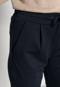 ICHI - KATE - Tracksuit bottoms - total eclipse - 4