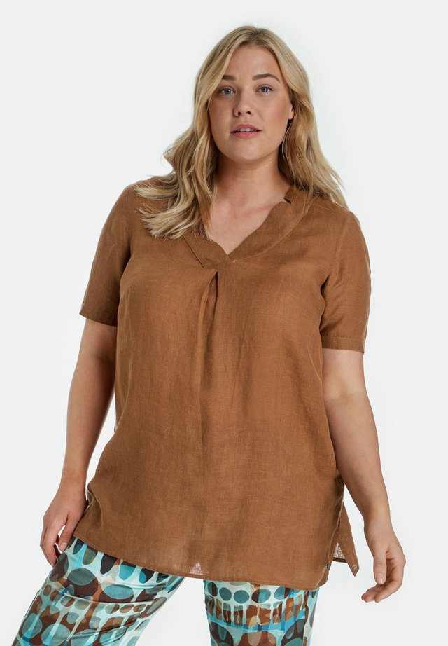 Blouse - mocca brown