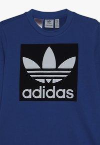 adidas Originals - TREFOIL CREW - Sweatshirt - blubir/conavy/white - 4