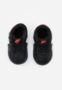 Nike Sportswear - FORCE 1 CRIB - Chaussons pour bébé - black/white/flash crimson - 3
