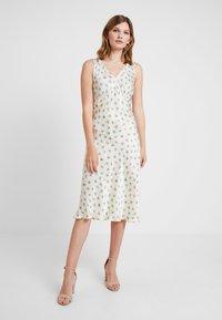 Ghost - SUMMER DRESS - Denní šaty - off-white - 2
