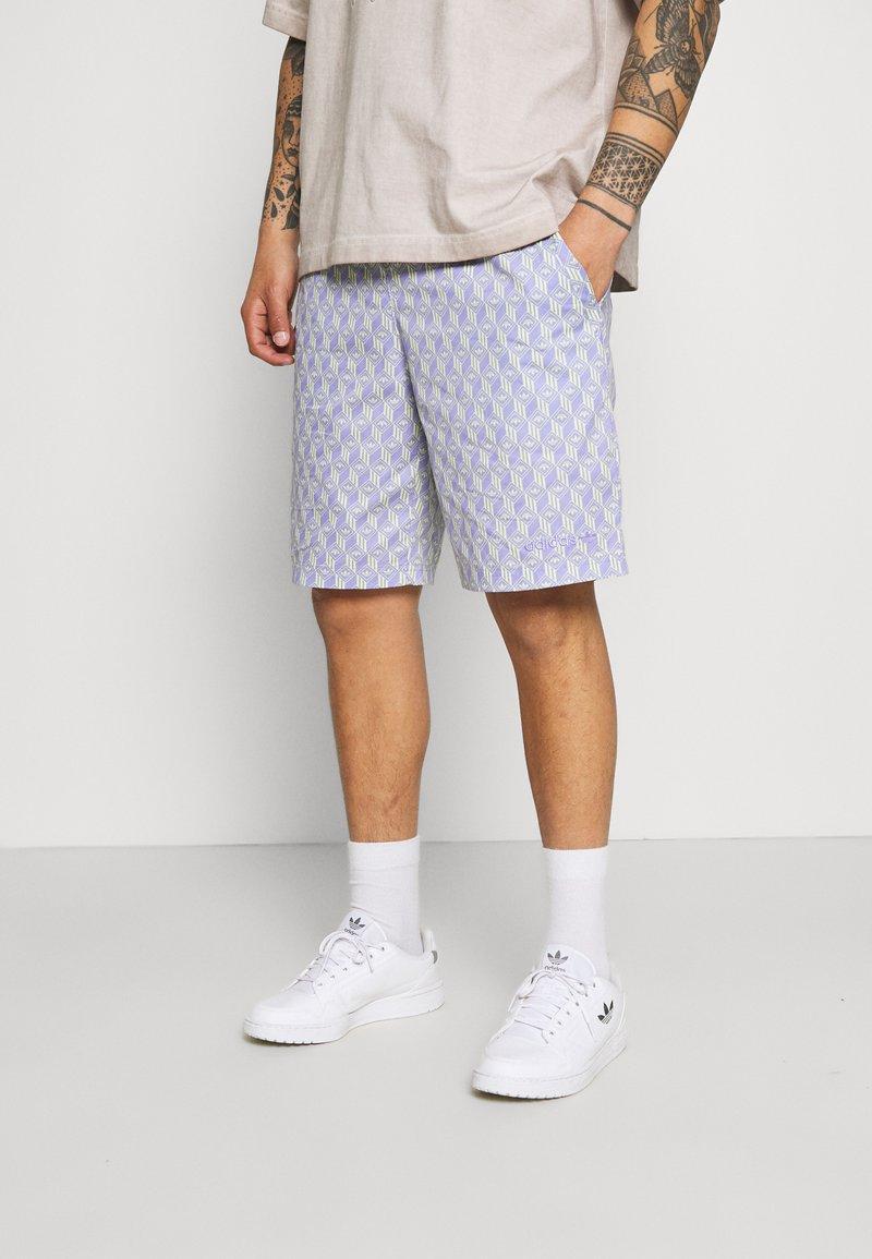 adidas Originals - MONOGRAM - Shorts - multicolor