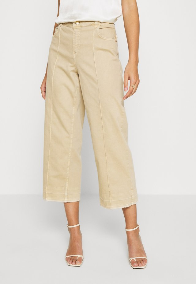 CORA - Relaxed fit jeans - safari
