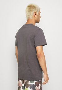 G-Star - BASE-S V T S\S - T-shirt basic - lt shadow - 2