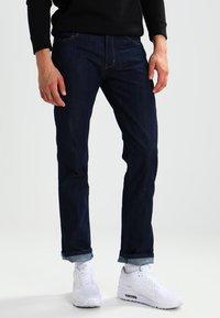 Wrangler - GREENSBORO - Jeans straight leg - ocean squall - 0