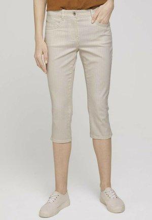 ALEXA SLIM CAPRI  - Denim shorts - offwhite thin stripe printed