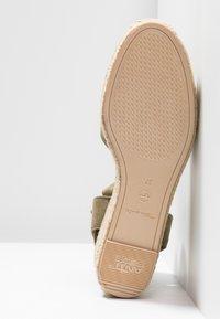 Tamaris - Platform sandals - khaki - 6