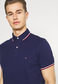 Tommy Hilfiger - TIPPED SLIM - Polo - yale navy - 3