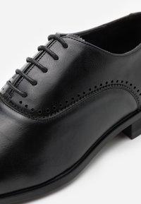 Burton Menswear London - SYMBAR - Derbies & Richelieus - black - 3