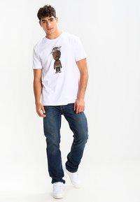 Mister Tee - LA SKETCH  - Print T-shirt - white - 1