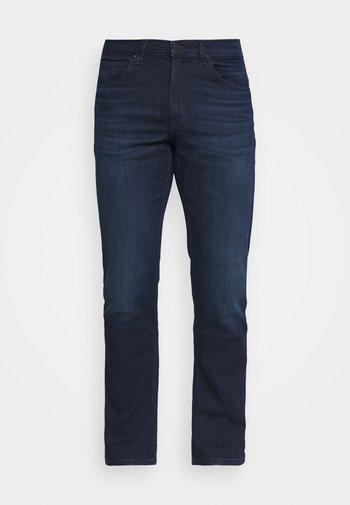 BROOKLYN STRAIGHT - Straight leg jeans - clean dark ray