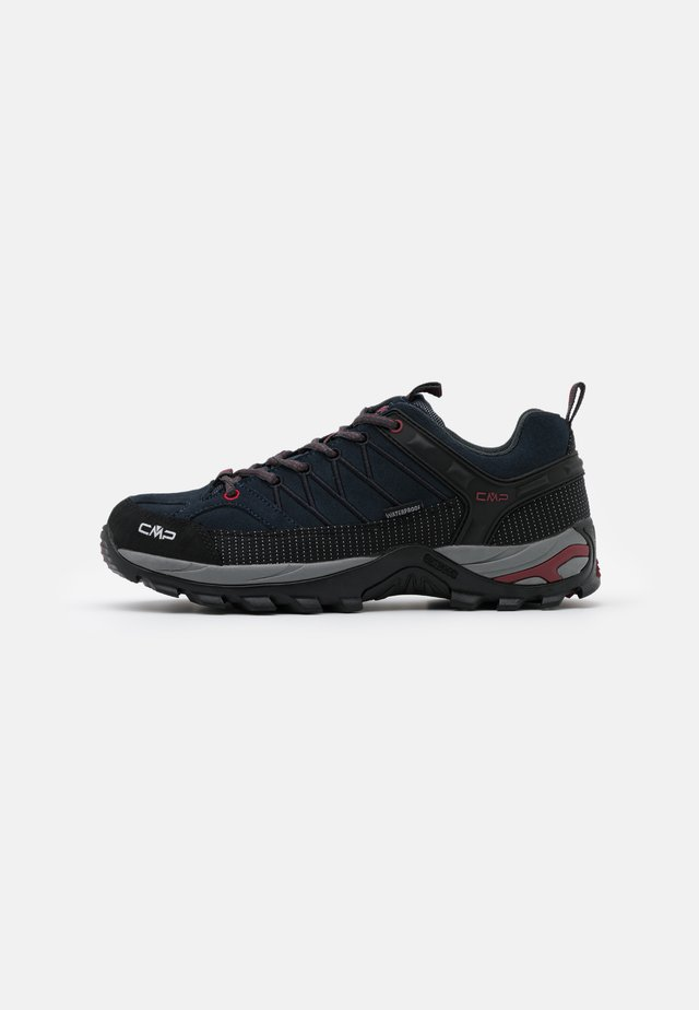 RIGEL LOW TREKKING SHOES WP - Obuwie hikingowe - asphalt/syrah